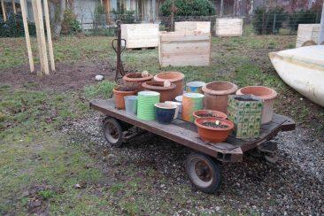 Töpfe  müssen auch noch bepflanzt werden